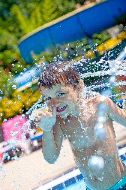 joie de la piscine camping les 3 lacs