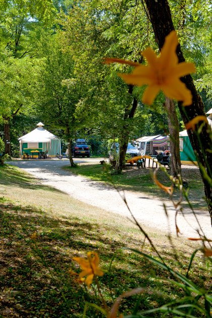 vue tente camping les 3 lacs